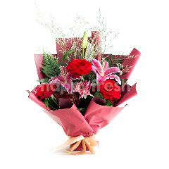 Emme Florist Romance in Red