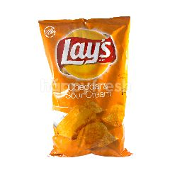 Lay's Cheddar & Sour Cream Flavoured Potato Chips