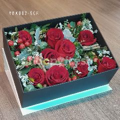 Heartis Display flower box - red roses